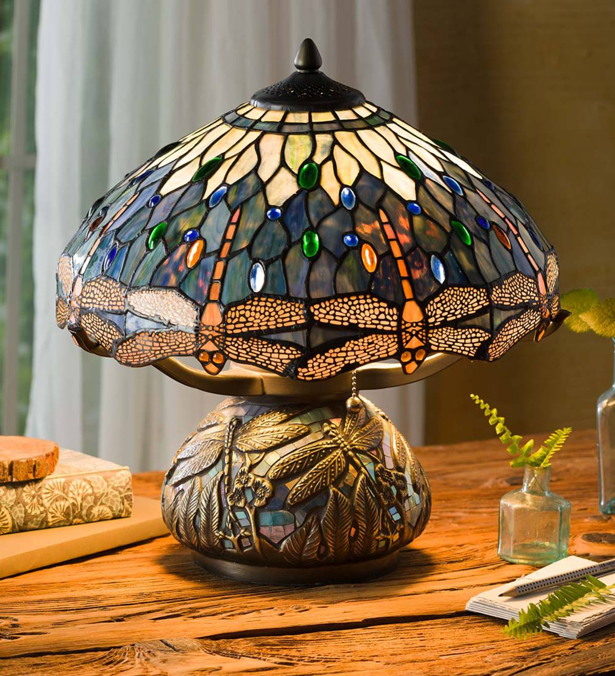 Tiffany Style Stained Glass Table Lamp With Dragonfly Motif And Metal Base Wind And Weather