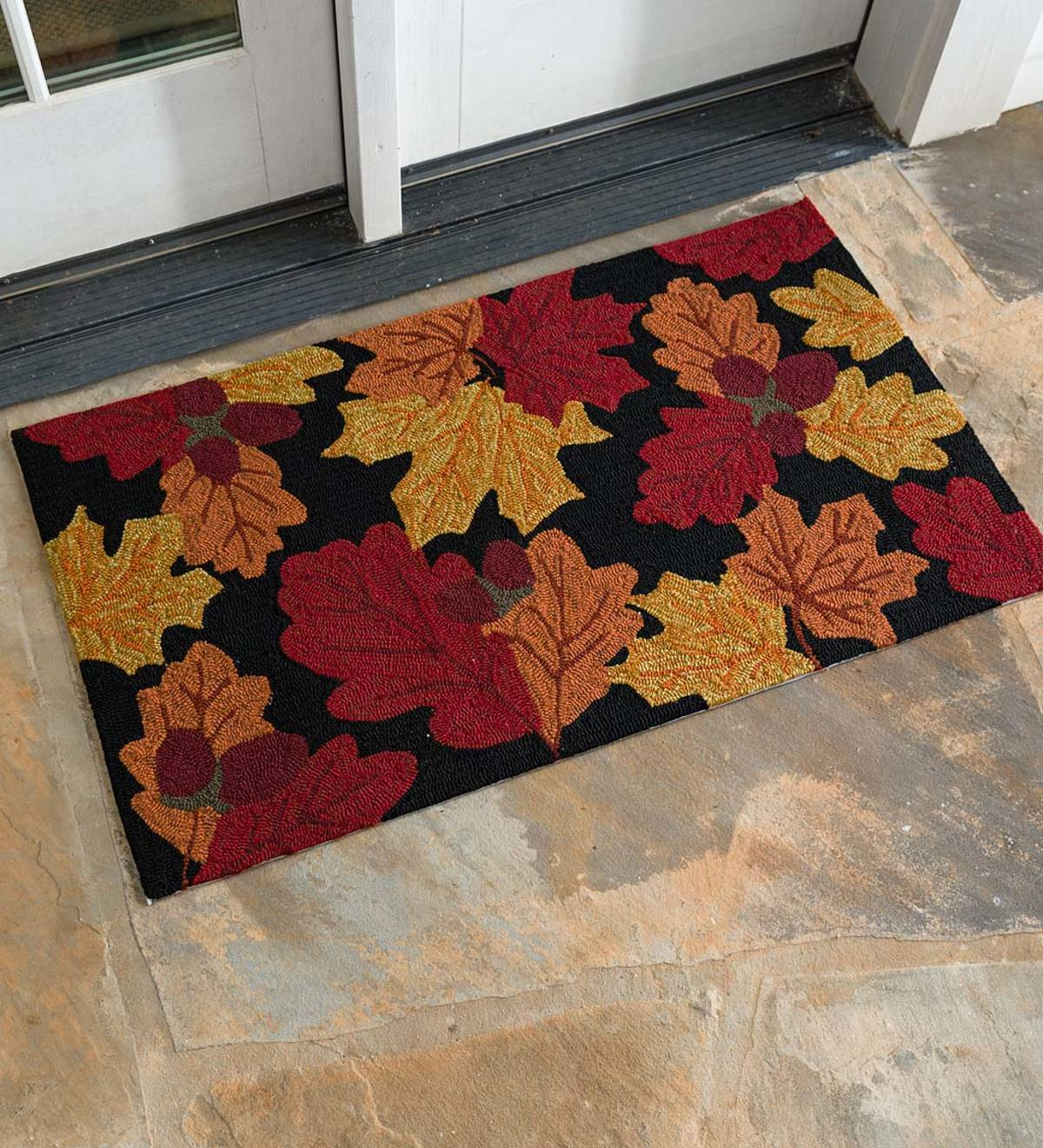 Falling Leaves Indoor/Outdoor Hand-Hooked Accent Rug