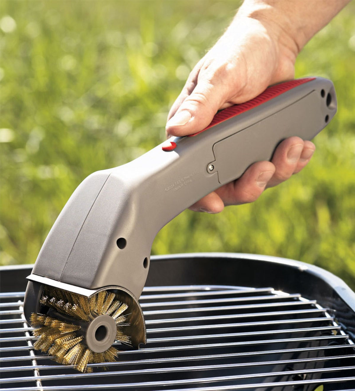 Electronic Grill Brush with Rotating Brass Bristles