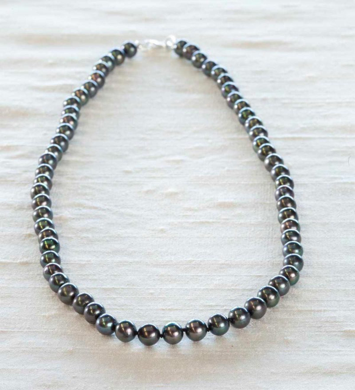 High Lustrous Near Round Freshwater Pearl Necklace - Dyed Black