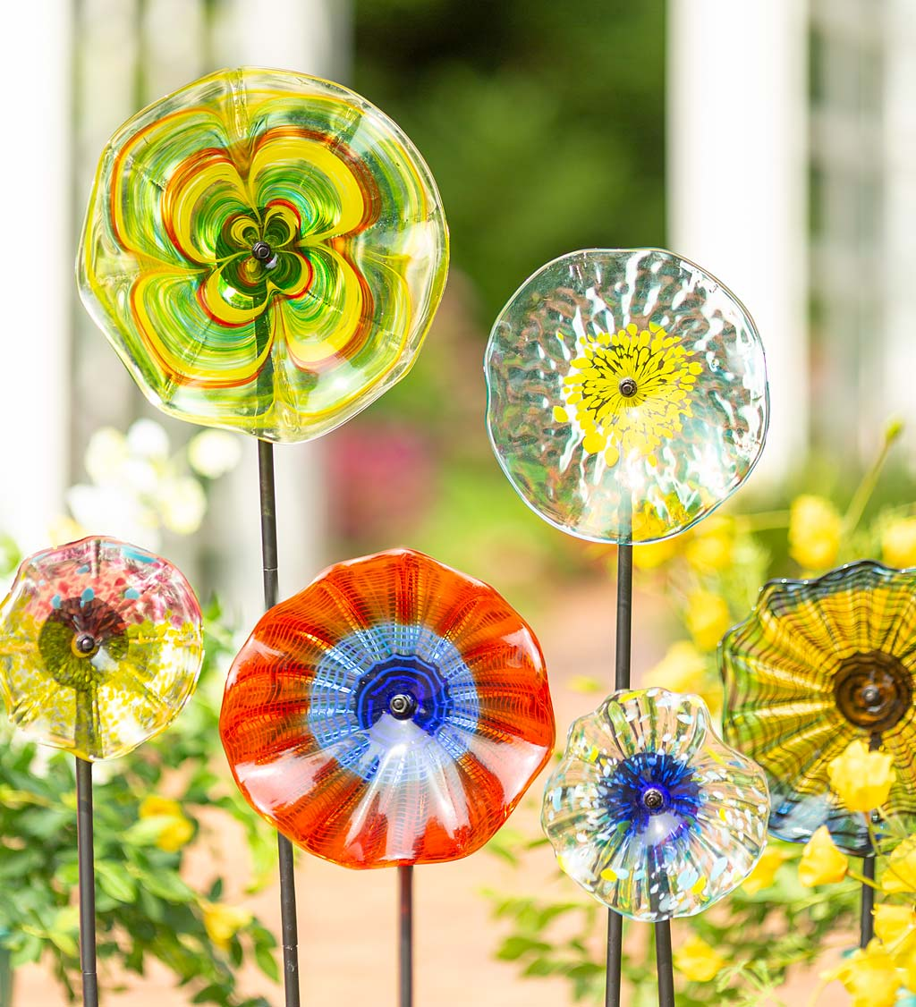 "8"" Handcrafted Blown Glass Flower With Metal Garden Stake - Red"