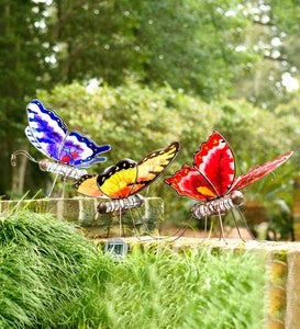 Color-Changing Solar Butterfly Statue - Red