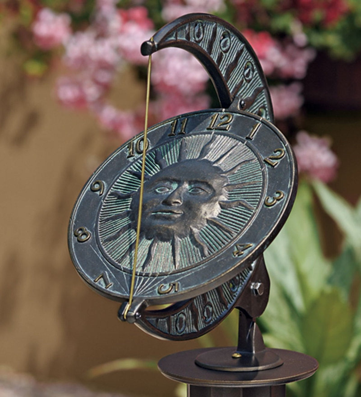 Sun and Moon Sundial