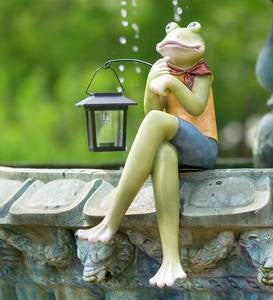 Indoor/Outdoor Sitting Frog Sculpture with Solar Lantern