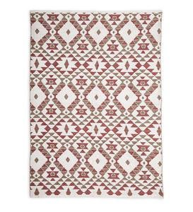 Reversible Indoor/Outdoor Diamond-Pattern Rug