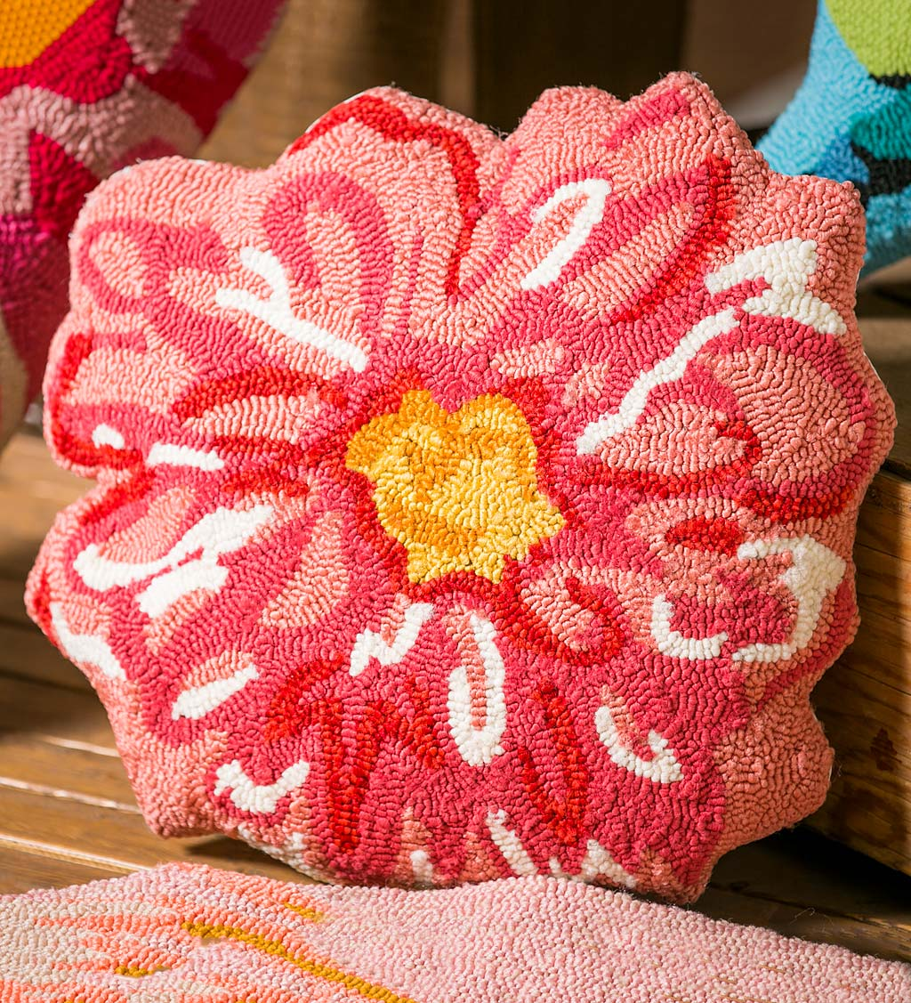 Pink Flower Shaped Hooked Throw Pillow