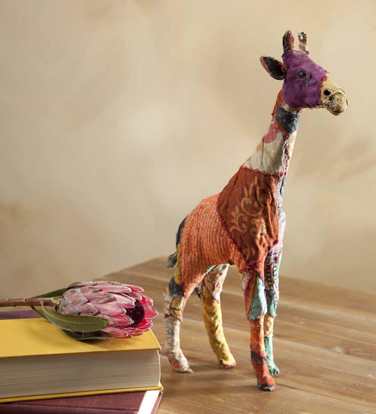 Vintage Sari Giraffe Sculpture Vintage Retro Gifts Hidden And