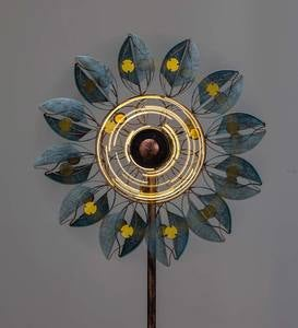 Verdigris Leaf Solar-Lighted Metal Wind Spinner