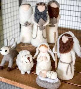 8-Piece Felt Nativity Scene